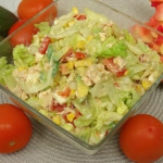 Pyszna salatka z kurczaki...