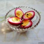 Różowe jajka na...