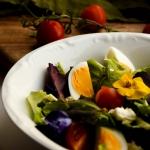 Wiosenna salatka z feta i...