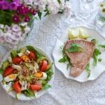 Stek z tunczyka i salatka...