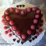 Tort walentynkowy czekola...