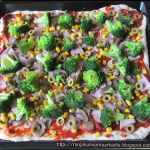 Domowa pizza z brokułami