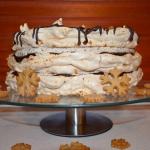 Świateczny tort bezowy
