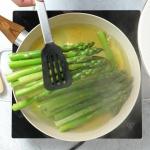 Gotowanie szparagów na...