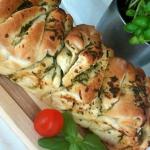 Odrywany chlebek ziolowy
