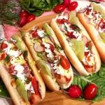 Hot-dogi z surówką...
