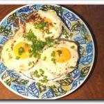 Jajka zapiekane w gniazdk...