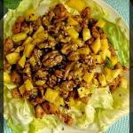 Salatka z mango i kurczak...