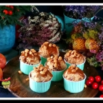Apples muffins with salte...