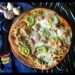Pizza z jajem, porem i...