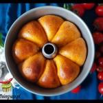 Puszysty chleb pomidorowy