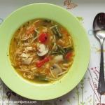 Zupa w stylu azjatyckim z...