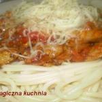 Spaghetti z sosem...