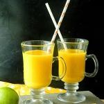 Smoothie z mango, pomaran...