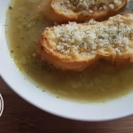 Wykwintna zupa cebulowa