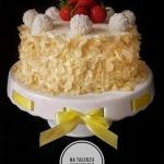 Tort kokosowo-truskawkowy...