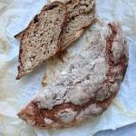 Chleb ze śliwkami...