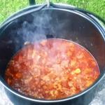 Zupa nad ogniem gotowana
