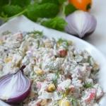 Salatka z surimi i ryzem