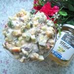 Salatka z marynowanymi sl...