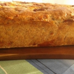 Chlebek z zoltym serem i ...