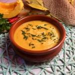 Zupa dyniowa z warzywami...