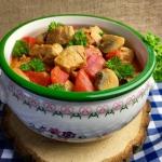 Gulasz ze schabu i warzyw