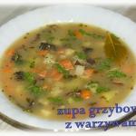 Zupa grzybowa z warzywami