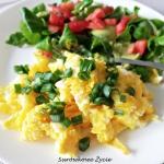 Jajecznica + sałatka =...