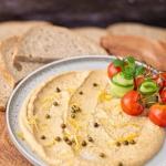 Hummus z zielonym...