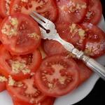 Sałatka pomidorowa. Z...
