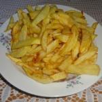 Frytki kartoflane.