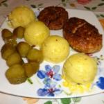 Kotlet mielony ziemniaki...
