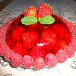 Deser truskawkowy.