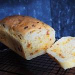 Chleb z porem i chorizo