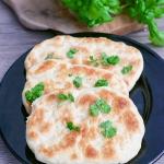 Chlebki Naan z Patelni
