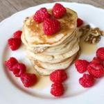 Jogurtowe pancakes z...