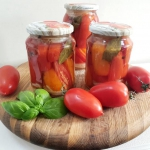 Pomidory w słoikach, na...