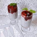 Pucharek z chia i owocami