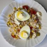 Sałata ryżowa z jajkiem