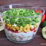 Salatka warstwowa z fasol...