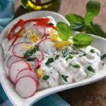 Jogurtowy sos z warzywami...