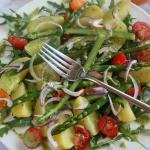 Letnia salatka z mlodymi ...