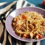 Makaron ryzowy z tofu