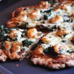Orkiszowa pizza z krewetk...