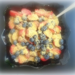 owoce sezonowe jogurtem...