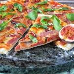 Pizza z szynką...