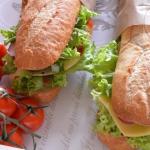 Duża kanapka na duży...