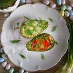 Awokado zapiekane z jajki...