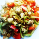 Kurczak w warzywach z mak...